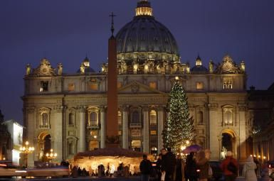 How is Christmas Celebrated in Italy?: Christmas crib in front of St Peters Basilica in Vatican City