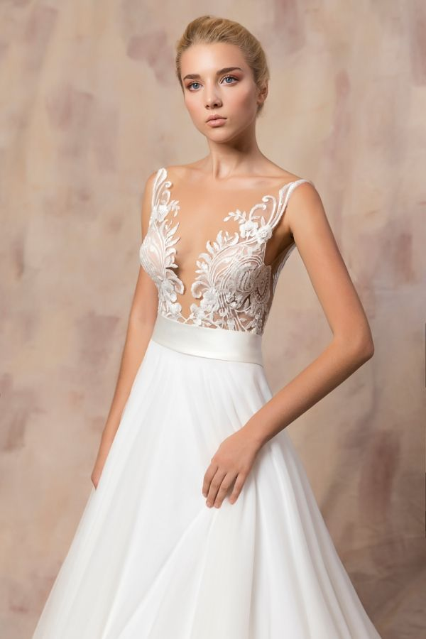 CHANTAL #weddinggown #celestialcollection #newbridalcollection #costantinobridal #weddingingreece