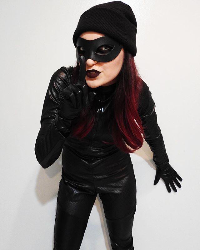 101 Costumes to DIY on the Cheap Cat Burglar