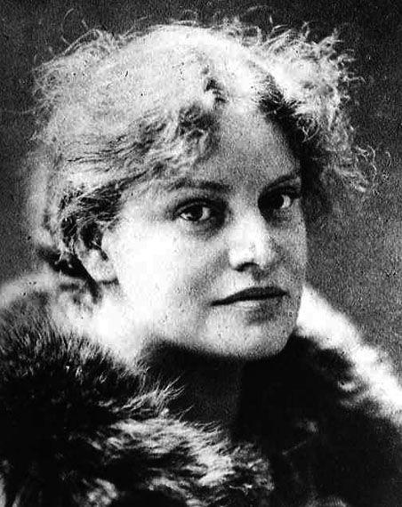 Lou Andreas-Salomé - Writer, poet , psychoanalyst, friend of Freud, Nietzsche, mistress of Rilke.......