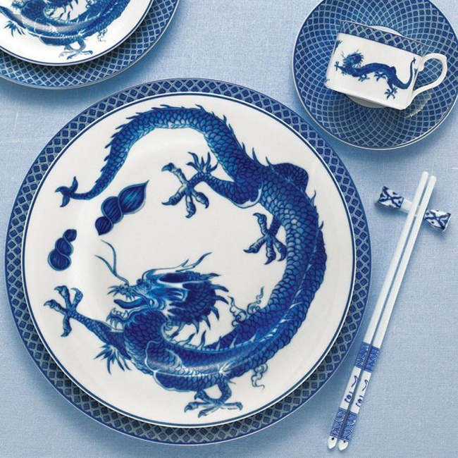In ancient China the dragon became a symbol for the emperor bestowing good fortune and & 11 best Color Story - Cobalt u0026 White images on Pinterest | Dish sets ...