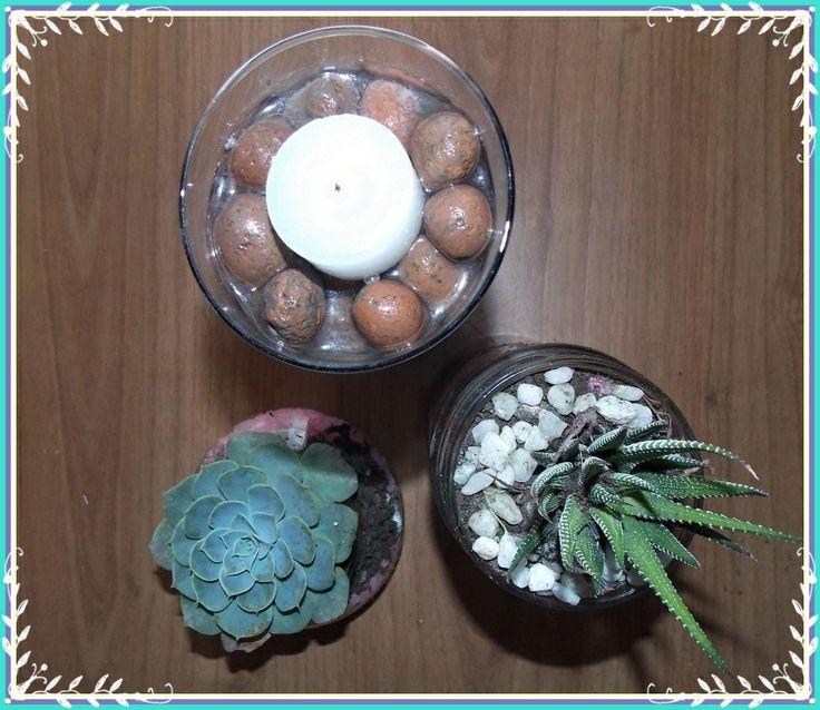 Porta-velas com água e herbários com suculentas. #euquefiz