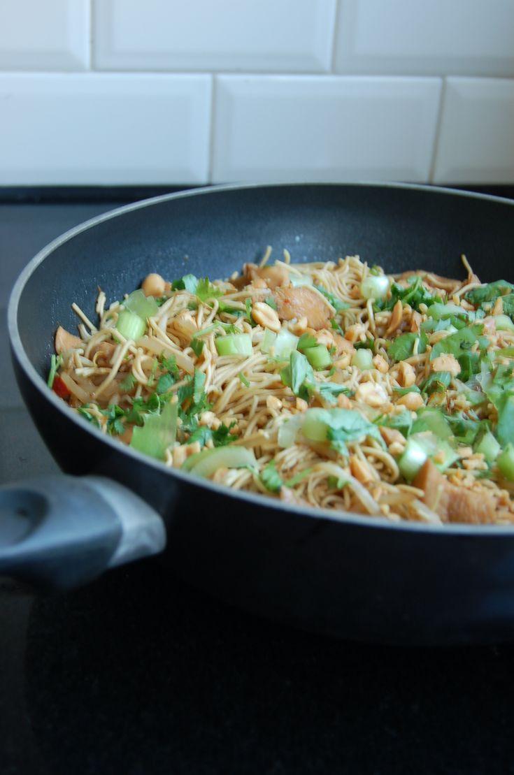 [Blog] Veggie Pad Thai - http://www.allergiekookboek.nl/recepten/diner/veggie-pad-thai/