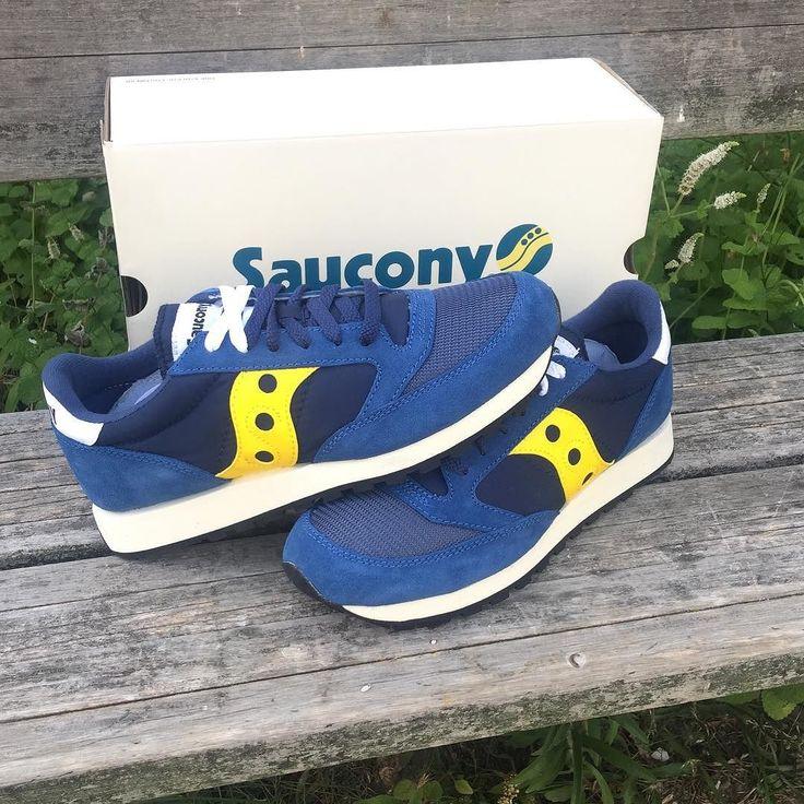 Nuevo color de las #Saucony Jazz con suela efecto #vintage disponibles en la tienda de #Vigo por 85 y muy pronto online #zapas #sneakers #bambas #zapatillas #sneakershop