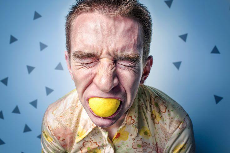 Avez-vous cette sensation de douleur, de stress, d'être piqué dans le fond de votre ventre?? voici l'une de ses causes et voici comment la traiter.. suivez le lien suivant: http://perdre-du-ventre-homme.blogspot.com/2015/01/ballonnement-mal-au-ventre.html