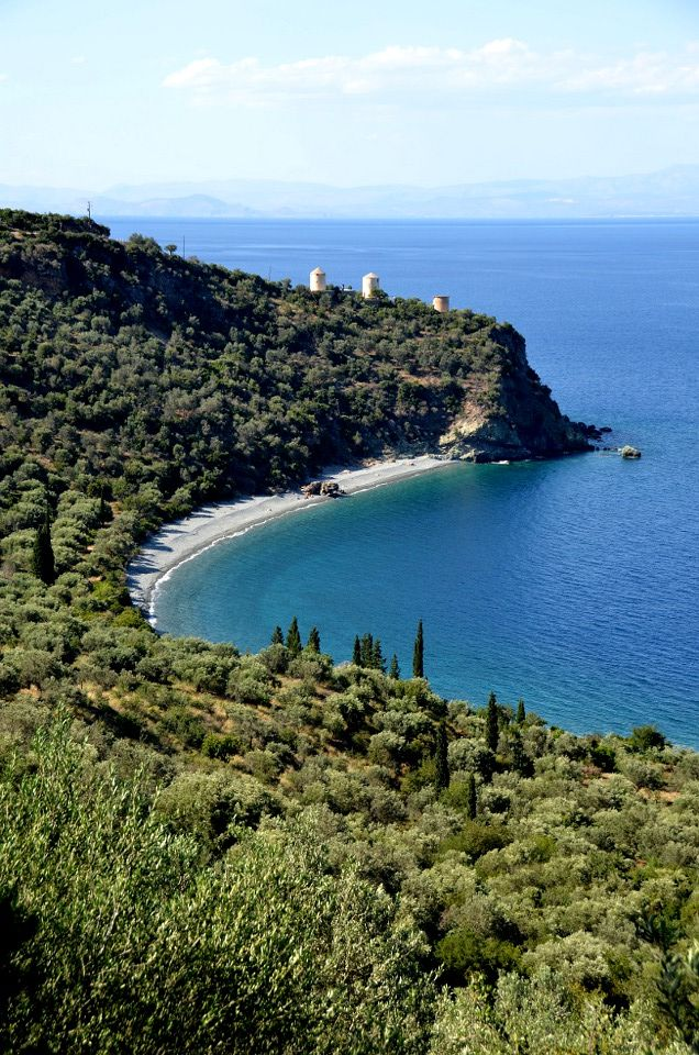 On the coastal road from Nafplio to Leonidio in Arkadia (Peloponnese), there are many hidden jewels. Livadi is one of them
