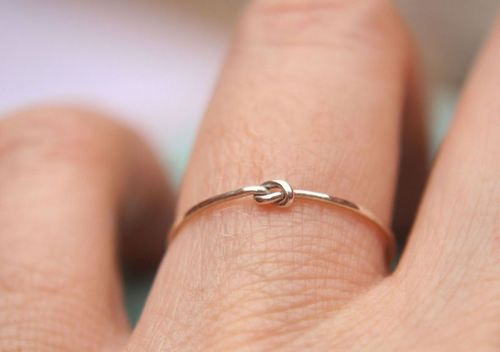"a ""thank you for helping me tie the knot"" ring for bridesmaids"