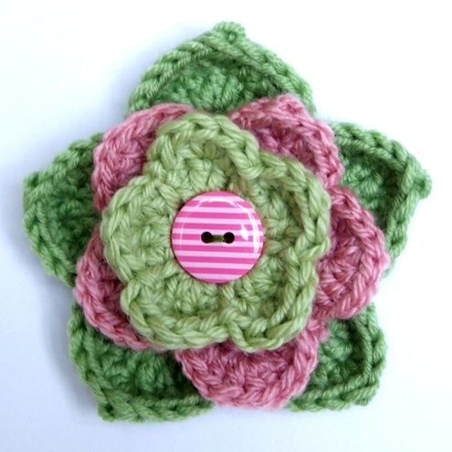 Pretty crochet flower. I think it's from Etsy but I'm pinning it for inspiration.