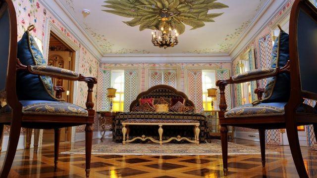 VIAJESTIC   Una noche en la antigua mansión de Gianni Versace