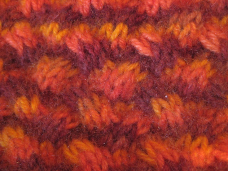 Here's a close-up on the pretty cable stitch that makes up the P'tit Bonfires Hat
