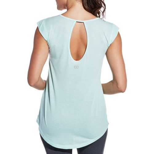 Athletic comfort meets feminine style with the CALIA™ by Carrie Underwood Women's Flutter Sleeve T-Shirt. Amazingly lightweight fabric feels great next to your skin and pairs perfectly with your favorite bottoms, while flowy sleeves let you move effortlessly. A back keyhole cutout makes sure you stay cool, and the stripe design brings the perfect level of fashion. Stay on trend at the studio with the CALIA™ Flutter Sleeve T-Shirt.