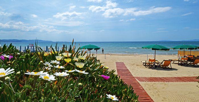 Aziza Vacanze - Holiday Apartments in Follonica, Italy ha scelto webee