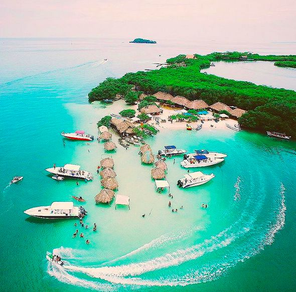 Cholon is an island a 45-minute boat trip away from Cartagena. Head here for eating, drinking and Miami-caliber boat parties. (@nenetome) (https://instagram.com/p/7FP9JNwgAW/