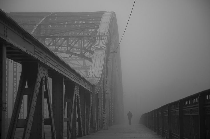 Cisza we mgle | zoom | digart pl #cracow #poland #bridge #fog #blackandwhite