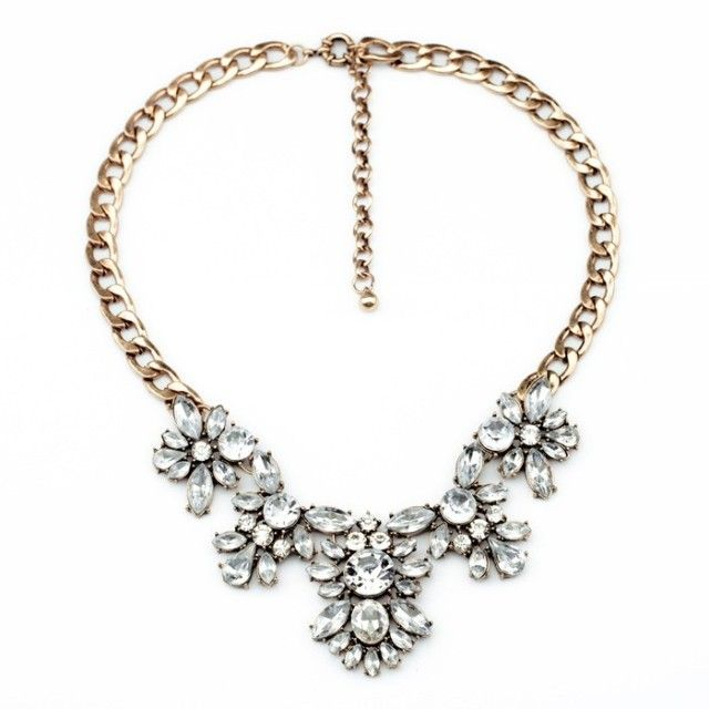 Ellie Sparkle Necklace on Carousell
