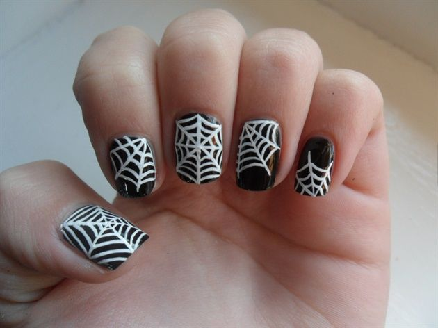 Spider web nails - Nail Art Gallery by NAILS Magazine - 35 Best Spiders And Web Nail Art Images On Pinterest Halloween