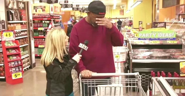 Local Veteran Breaks Down After News Station Pays For His Groceries via LittleThings.com