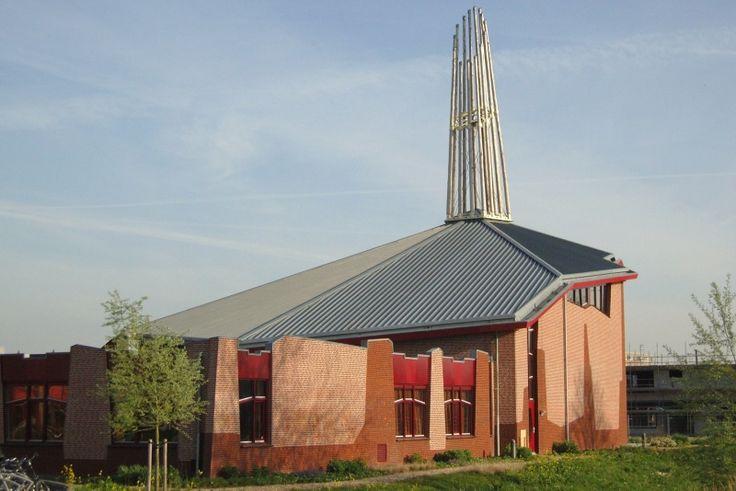 Bestand:17855 Zwolle Geref. Kerk Vrijgemaakt de Fontein 2006 Sterrenkroos 50 OV. opname 14-11-2009.jpg