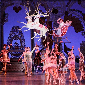 Have I ever seen a ballet....nope. But I HAVE to see The Nutcracker in NYC!!!