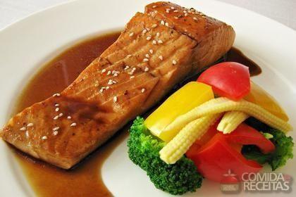 Receita de Salmão com legumes ao forno em receitas de peixes, veja essa e outras…