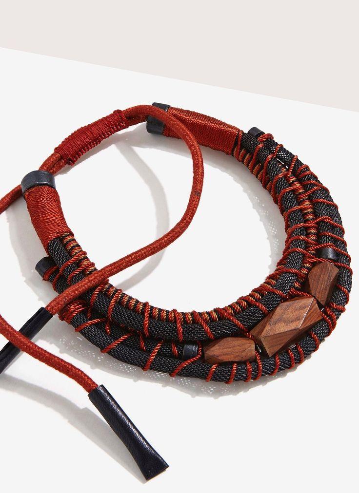 Collar tubular con piezas de madera - Bisutería   Adolfo Dominguez shop online