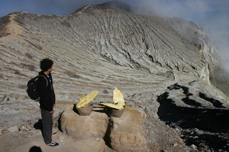 On the crater rim: Bali, Indonesia, Crater Rim, Ijen Crater, Naruraleza