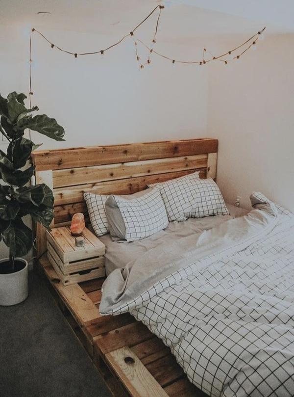 The Queen Pallet Bed In 2020 Comfy Bedroom Luxurious Bedrooms Bedroom Decor