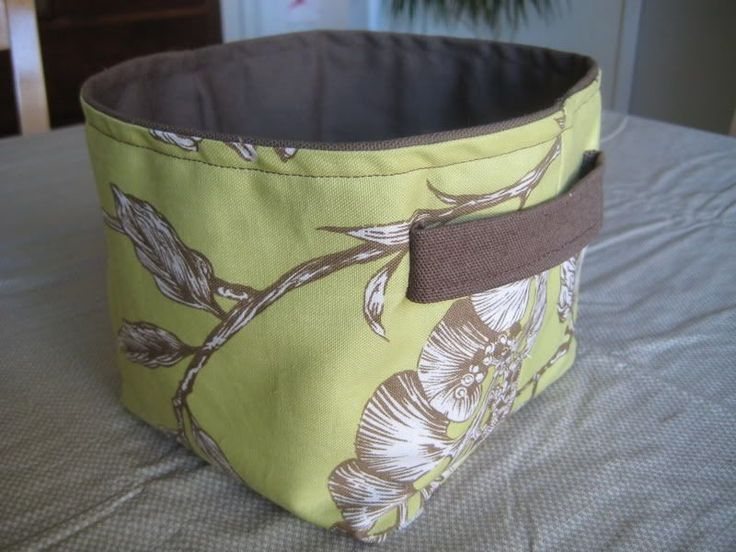 #sewing Square-bottomed fabric bucket. Love that they are virtually indestructible and washable! If I start now I can make enough to organize all my (future) baby stuff.