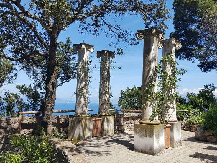 Villa Lysis on the Island of Capri Italy  #capri #italy #island #travel #afternoon #villa #lysis #villalysis #oldarchitecture #architecture #building #bluesky #garden #galaxys6