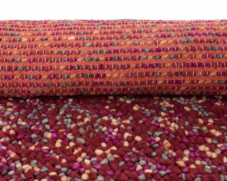 Atharv, tovet teppe fra India.
