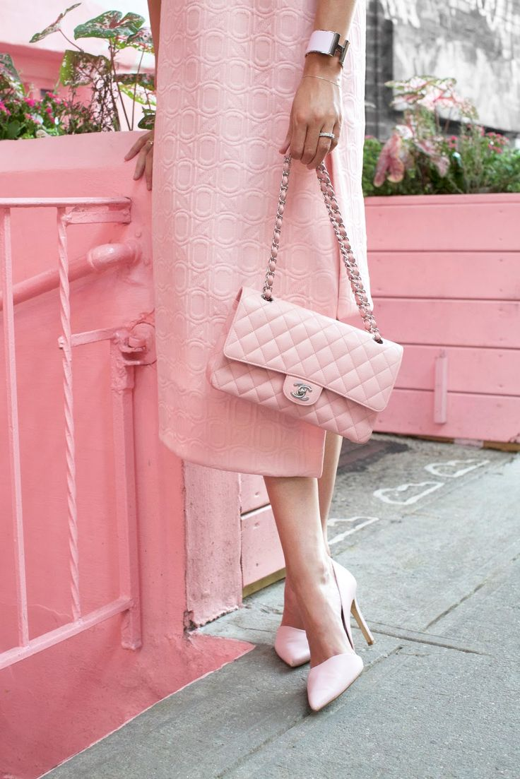 Dress: Marni (sold out but also love this blush dress and this one). Pumps: Banana Republic (old, but love these blush heels). Bag: Chanel. Sunglasses: Illesteva. Ring: Walters Faith. Fascinator: ASOS. See my other pink...Read More