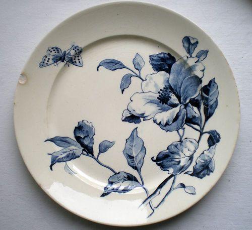 ¤ Manufacture Gien - Eté, motif clématite bleu. French ironstone plate with great blue clematis