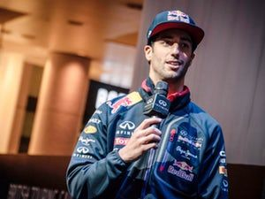 Christian Horner wants Daniel Ricciardo decision by August