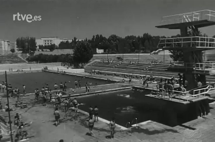 823 best madrid en los 60 39 images on pinterest old for Piscina ciudad universitaria