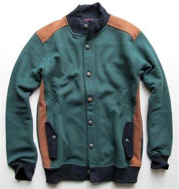 Erkek yeşil polar ceket ve kolej mont modellerini en ucuz fiyatlarıyla kapıda ödeme ve taksit ile Outlet Çarşım'dan satın al.