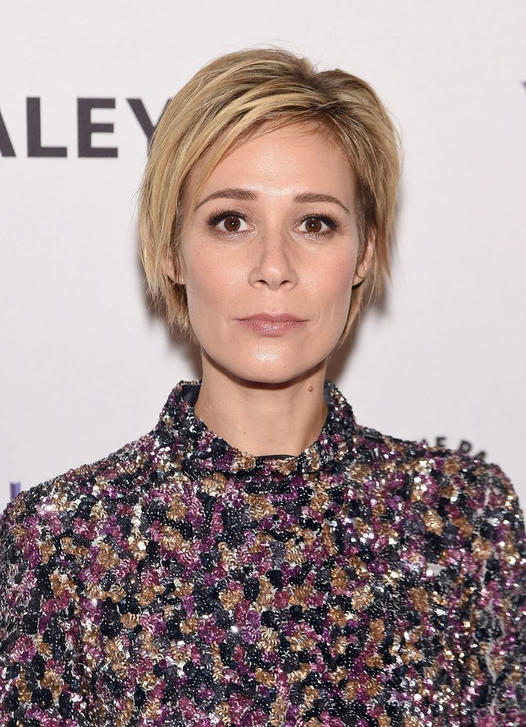 Liza Weil Layered Razor Cut - Liza Weil looked cool wearing this layered razor cut during PaleyLive NY.