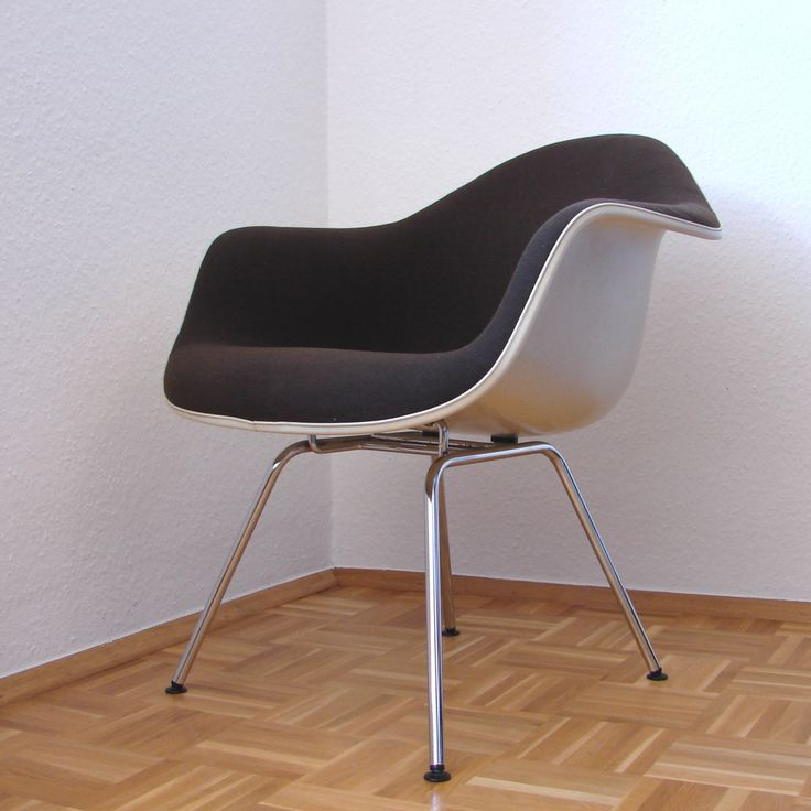 71 best raum bild welt chairs images on pinterest eames side chairs and herman miller. Black Bedroom Furniture Sets. Home Design Ideas