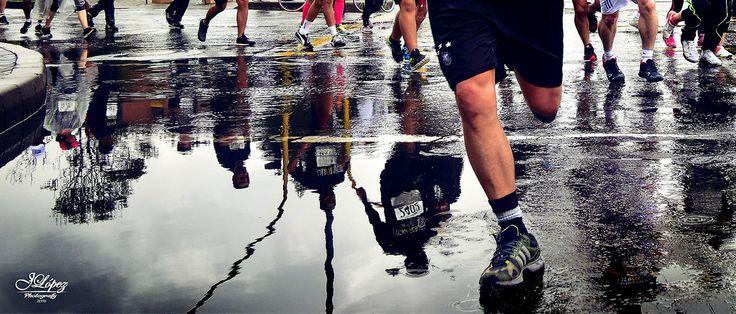 Decenas de hombres y mujeres salieron a participar en la Carrera por los Héroes heridos en combate, sobrepasando las adversidades del clima, con el firme propósito de recaudar fondos para que nuestros militares y policías puedan tener una pronta y satisfactoria recuperación.