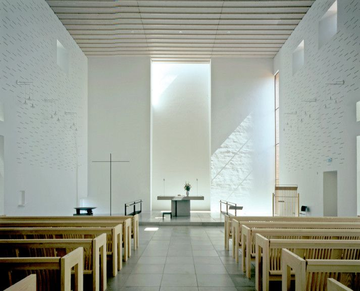 Light Matters: Whiteness in Nordic Countries,Dybkær Church, Silkeborg, Denmark. Architecture: Regnbuen Arkitekter. Image © Henry Plummer 2010