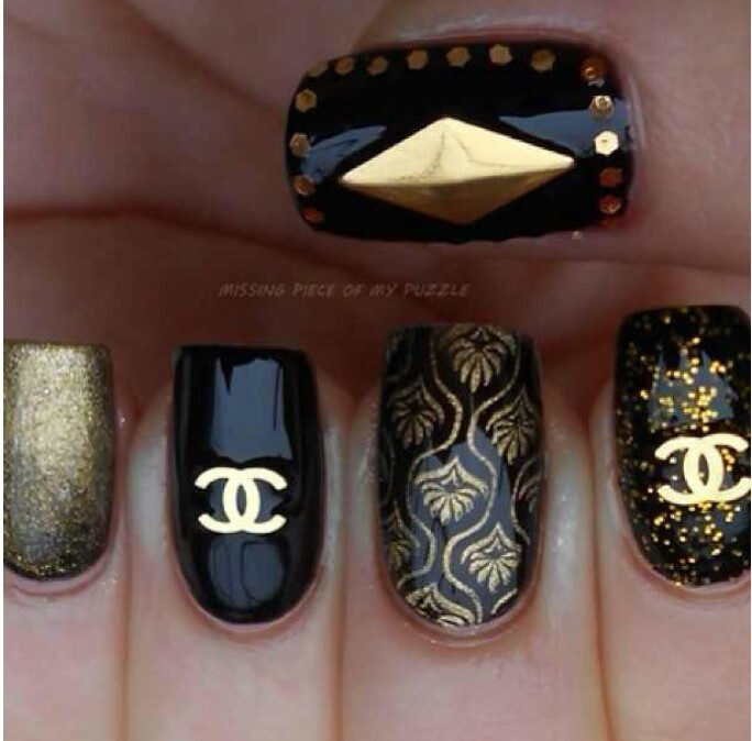chanel nails design