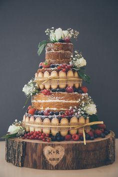 6 Naked Wedding Cake Ideas | Unfrosted and pared-down, naked wedding cakes expose layers of sumptuous sponge | For more inspiration visit www.weddingsite.co.uk