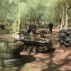 Paintball in mini-tanks