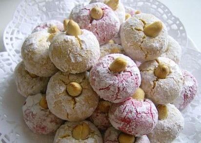 Dulces de gacela son muy bonitos con un te marroqui http://www.bestrecetas.com/cocina-marroqui-arabe/cuernos-gacela.html