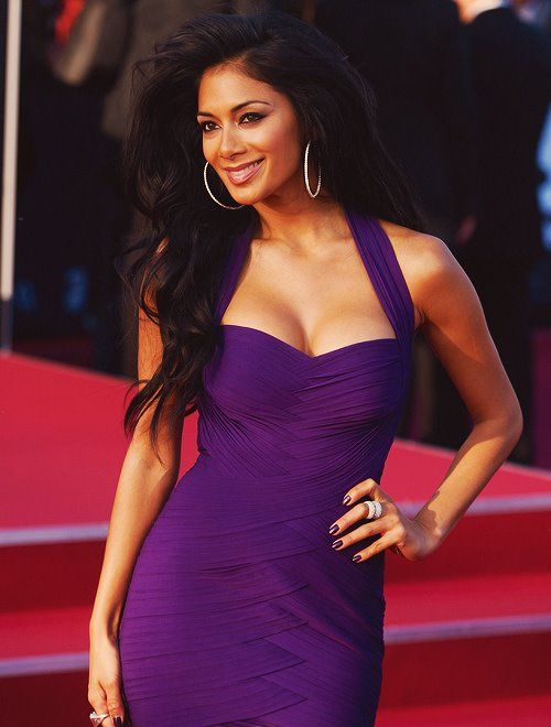 nicole scherzinger: love the purple dress she's in