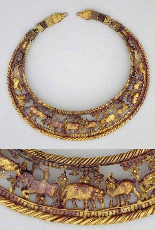 Ukrayna'nın güneyinde Taman Yarımadası'nda kurulmuş olan Bosporos Krallığı'na ait altın gerdanlık, MS 4.yy