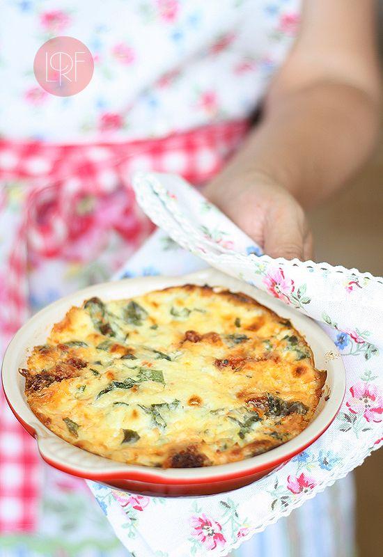 Dip de queso, espinacas y chorizo o morcilla.