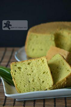 The Most Ideal Pandan Chiffon Cake
