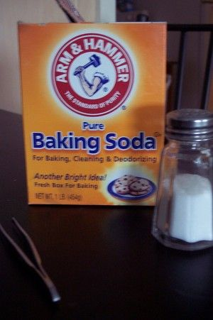 Splinter remover-2 tsp baking soda, a drop of hydrogen peroxide, a pinch