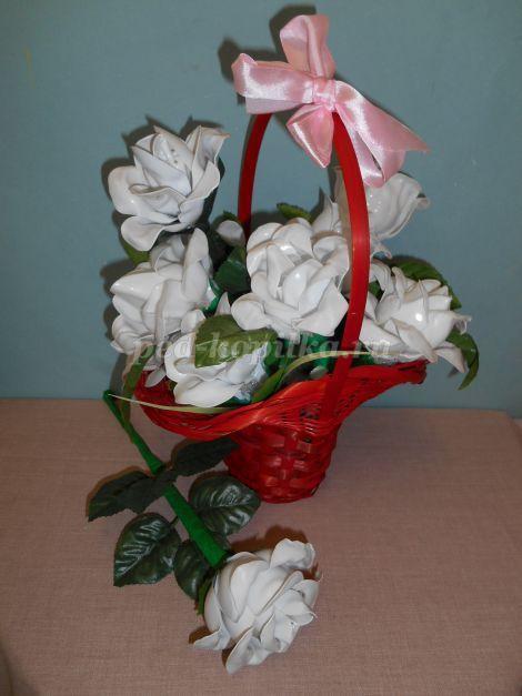 Розы из пластиковых ложек своими руками. Мастер-класс с пошаговым фото