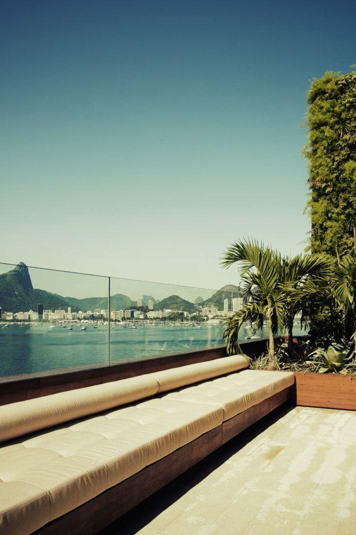 garde corps extérieur, terrasse élégante avec balustrade en panneaux de verre